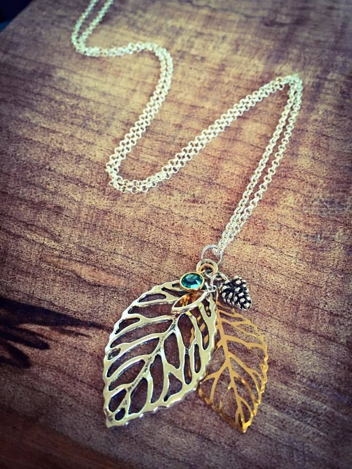 Mixed Metal leaf necklace, great jewelry ideas.