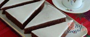 Kakaové cuketové řezy s citronovou polevou