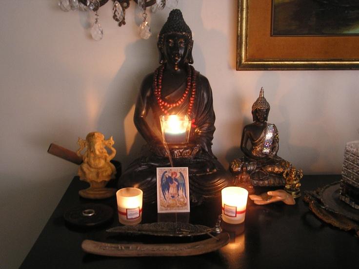 My Own Meditating Altar Stillness Meditation Pinterest Meditaci N Yogui Y Altares