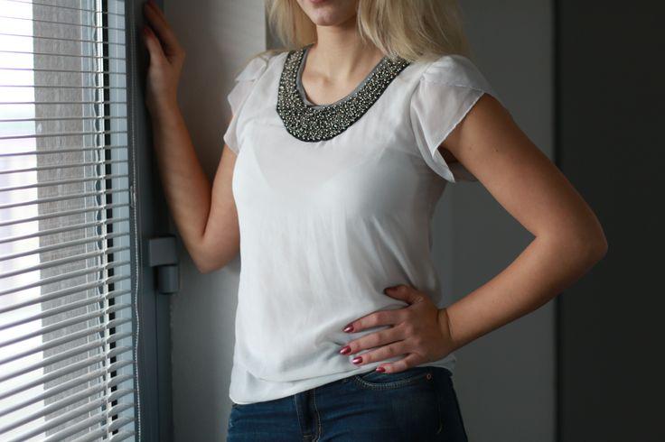 Tričko, náhrdelník