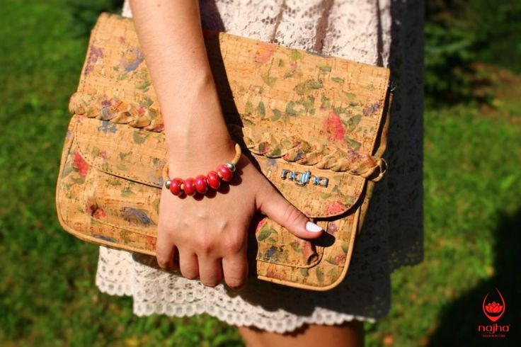 💕 BAGS AND BRACELET 💕  When perfection joins // Lovebags // vegan  Photo: www.corc.cz  #Najha #najhashoes #corknajha #najhavegan #najhawalkincork