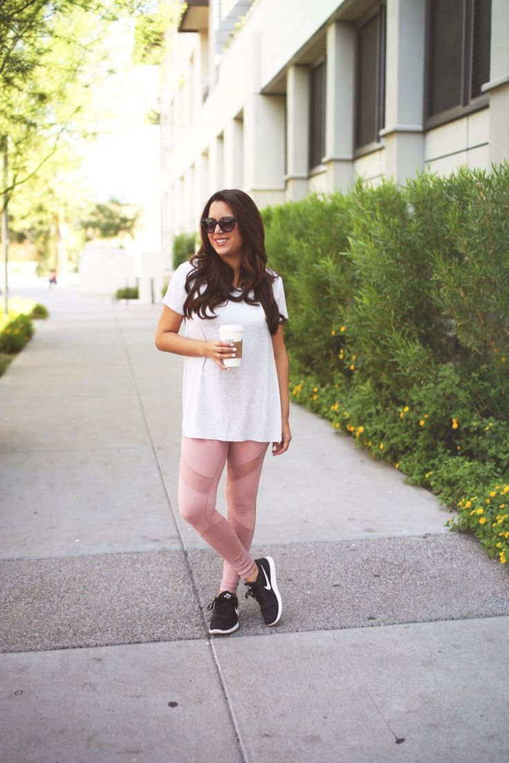 The cutest pink yoga pants!