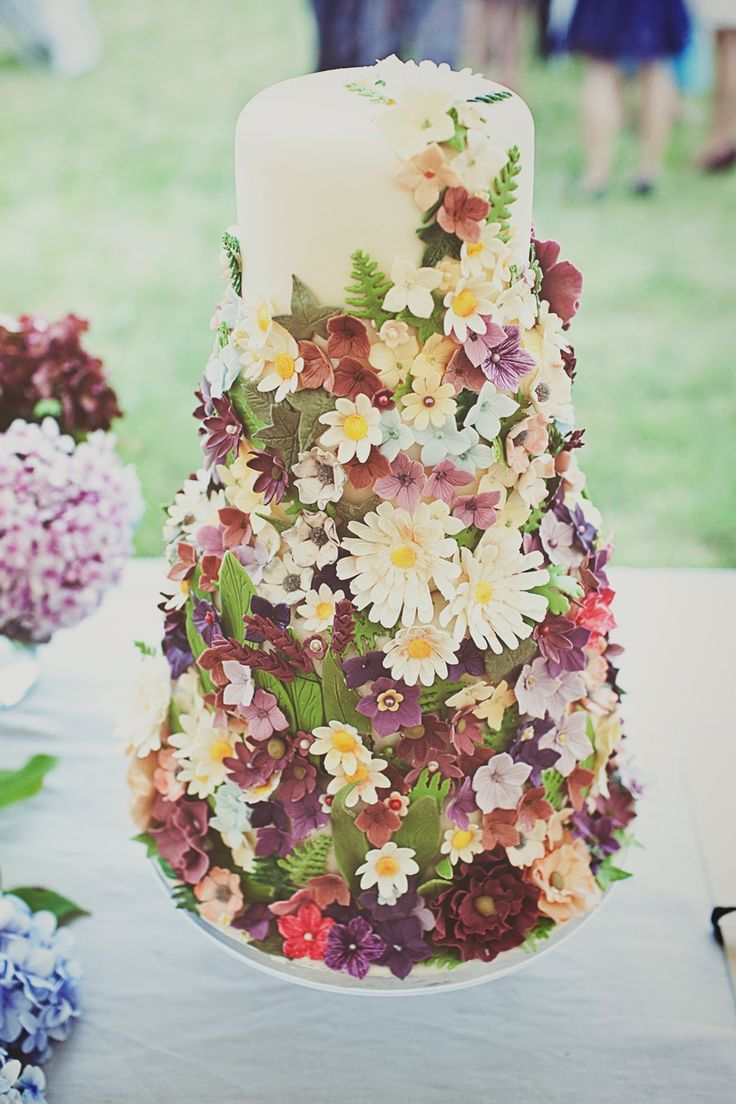 Incredible floral cake   on love and photography: Alex and Matt