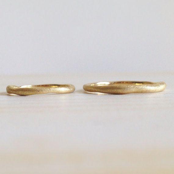 Fedi IRREGULAR. Anelli artigianali in oro giallo di MyGoldenAge