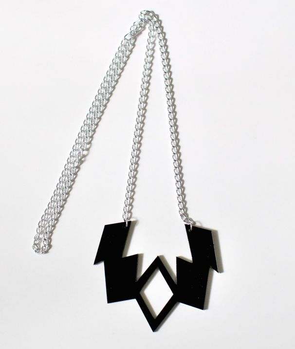 #Graphic #necklace. http://shop.yalo.fi/product/2098/caraluna-necklace