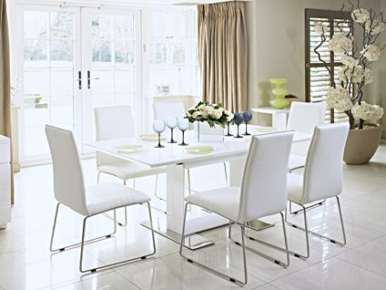 A Modern Snow White Dining Set Looks The Part For Christmas