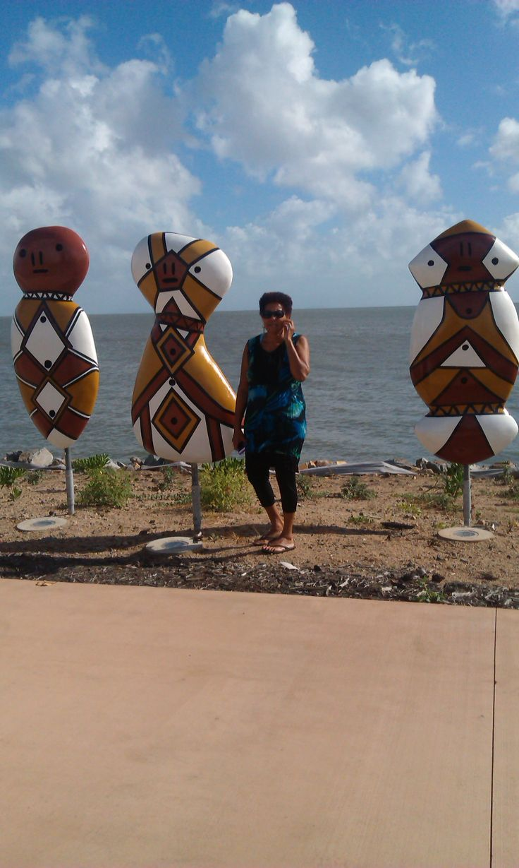 The foreshores of Cardwell were so spectacular, I just had to get out of the car and stand beside these impressive Sculptures as I knew they were inspired and originated from the Girringun People.