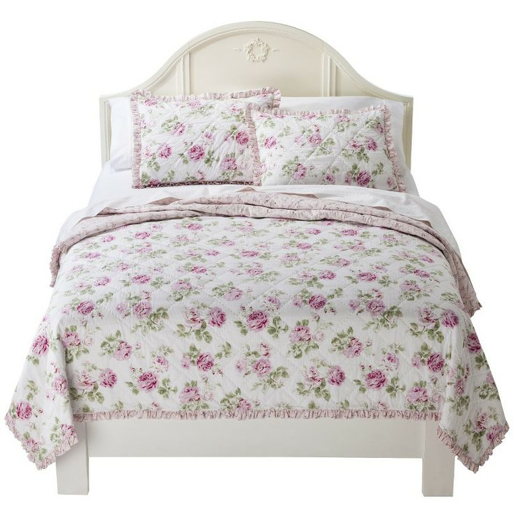 simply shabby chic garden rose quilt perfect for the home pinterest gardens quilt and shabby. Black Bedroom Furniture Sets. Home Design Ideas