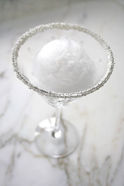 Snowball Martini Drink and Cocktail Recipe. <3 Winter drinks! This would be cute for Christmas or New Year's Eve.