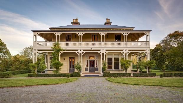 UK owners abandon North Canterbury colonial mansion after their dream falls through.