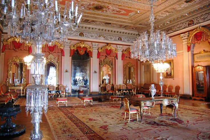 Dolmabahce Palacasdfe - This is the Pink Hall.
