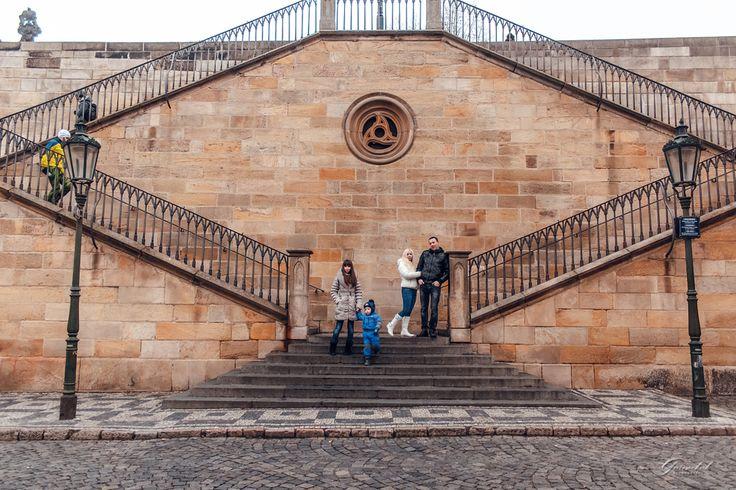 Семейные фотопрогулки в Праге❤️ За подробной информацией обращайтесь: ✅директ @alenagurenchuk 📱+420608916324(WhatsApp/Viber) ✉alena.gurenchuk@gmail.com 🌐alenagurenchuk.com/pages/contact/ ~~~~~ Фотография в категории: #alenagurenchuk_family ~~~~~ #alenagurenchuk #photographerprague #photographerinprague #prague #praguephotographer #lovestoryinprague #photoinprague #фотопрогулкапопраге #фотосессиявпраге #Прага #фотографвпраге #фотографпрага #фотографвчехии #лавсторивпраге #фотосессияпрага…