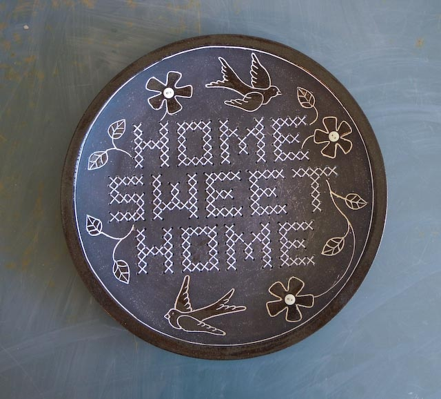 Home sweet Home plate - black and white