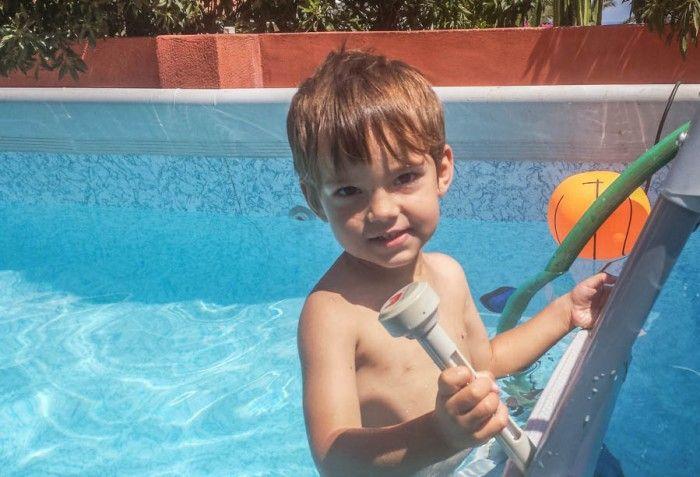 Hacer un calentador para la piscina no tiene que ser caro ni difícil. Os enseño como hacer un calentador de agua solar y podrás usar la piscina más tiempo.