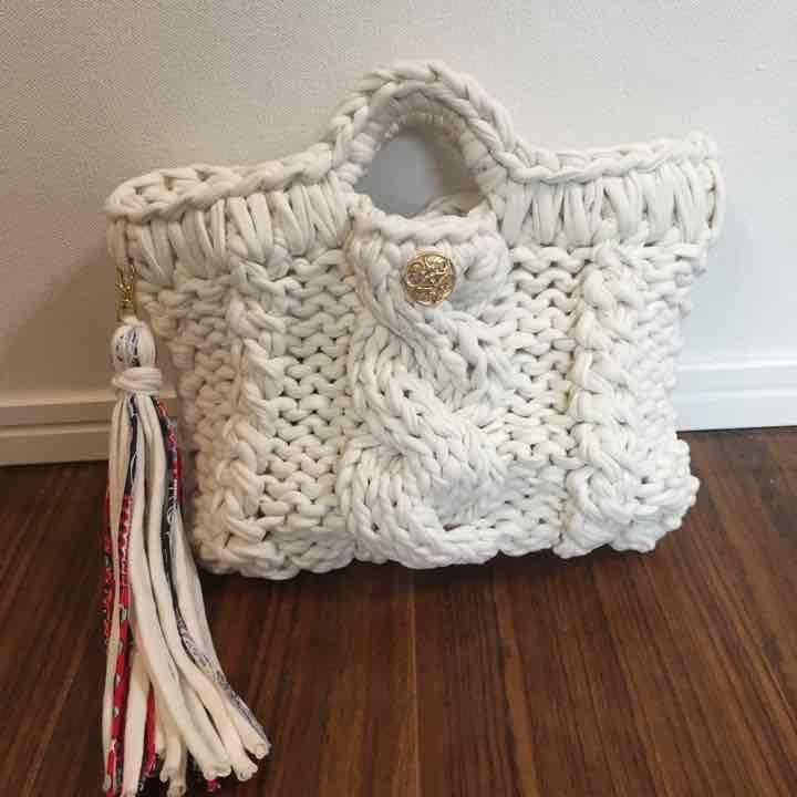 メルカリ - 【shii 】ズパゲッティ ケーブル編みバッグ 【バッグ(女性用)】 中古や未使用のフリマ