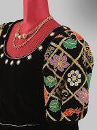 #costumi d'epoca#creazioni di abiti# studiati nel dettaglio attraverso la #ricerca del tessuto# dei #particolari# accessori# scrupolosamente attinenti alla #storia#