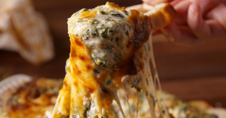 "The Cheesy Bacon Spinach Dip That's ""Extremely Addictive"""