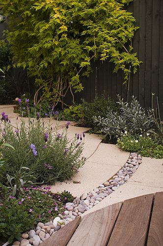 The Small Chic Garden by Earth Designs. www.earthdesigns.co.uk. London Garden Design and landscape build., via Flickr.