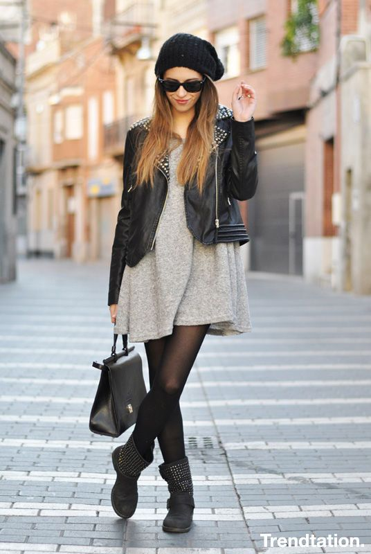 Studded grunge style | Beanie - long grey sweater - leather jacket - tights - boots | Spring / Fall