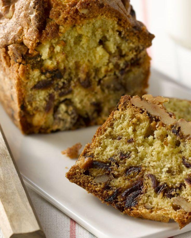 Dadel-notencake - Deze dadel-notencake is een echt energiebommetje, en tegelijkertijd ook heel gezond. Ideaal als ontbijt, of als tussendoortje bij een dipje.