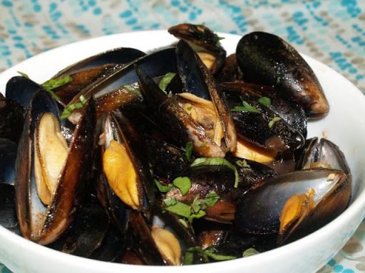Mussels with Sambuca Recipe on Yummly   Mussel Hustle   Pinterest ...