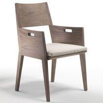 Sedia moderna / con rivestimento rimovibile / con braccioli / in pelle