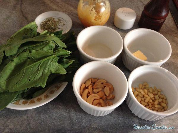 Aprende a preparar espinacas de Cuaresma con esta rica y fácil receta. Si eres de los que celebran Semana Santa y buscas recetas acordes a esta época del año, ¡has...
