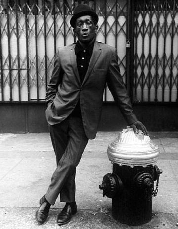 "steppingrazzor: "" By Leon Levinstein NYC 1970s """