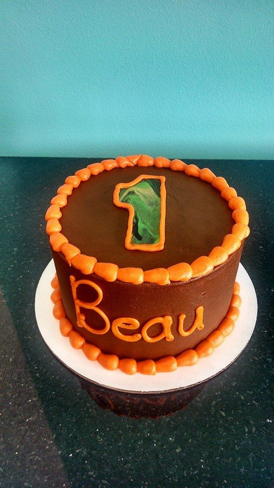 74 best Brents 1st birthday images on Pinterest Camo cakes