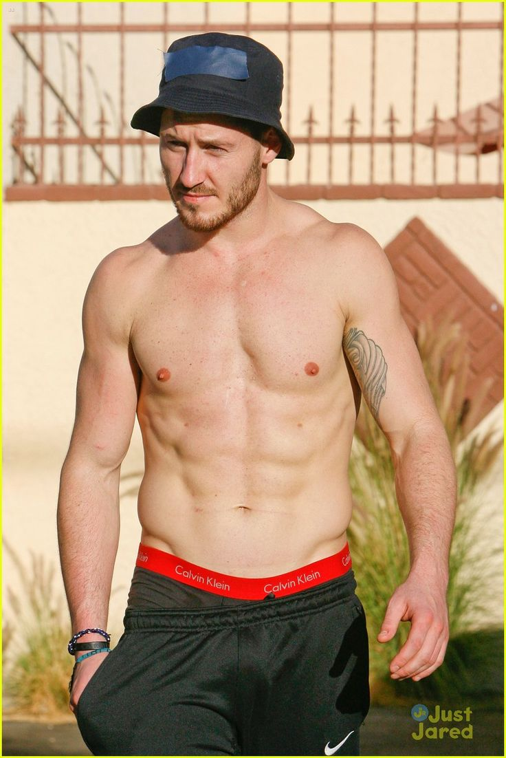 Val Chmerkovskiy Outside DWTS19 Rehearsals 29/10/14