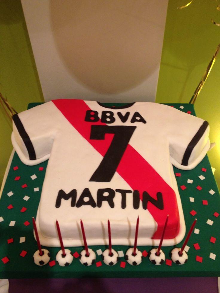 Torta Camiseta de River - Soccer futbol Cake. Facebook.com/pages/Dreams-Sweets