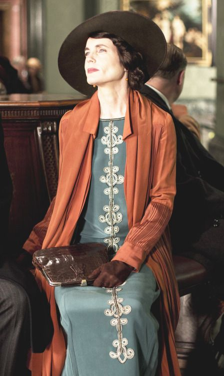 Cora the Countess Downton Abbey season 5 [1924] costume designer Anna Mary Scott Robbins