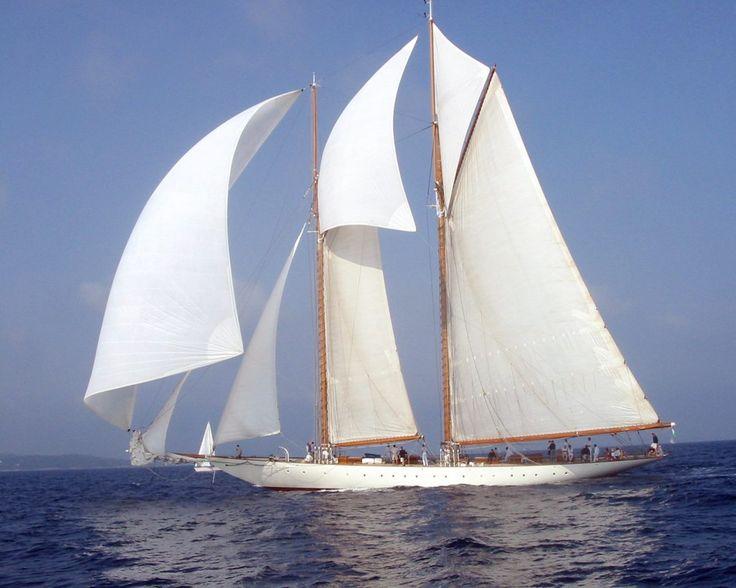 Monta tus sueños en un velero y lleva el timón de tu vida