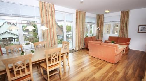 Seebadvilla Timmendorfer Strand Set in Timmendorfer Strand, this apartment is 1.7 km from Niendorf bird park. Guests benefit from balcony. Free private parking is available on site.  The kitchen is fitted with an oven, a toaster and a fridge, as well as a coffee machine.