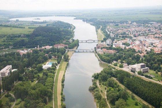 Podnikatelia: Uzavretie Krajinského mosta bude pre nás likvidačné http://www.pnky.sk/aktuality/podnikatelia-uzavretie-krajinskeho-mosta-bude-pre-nas-likvidacne/