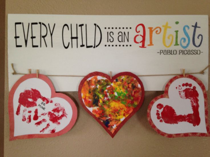 Every child is an artist! Kids craft & painting hanger. Painted wood sign with clothespins by TinasTinkers on Etsy