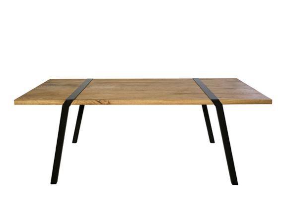 De Pi tafelpoten zijn te combineren met elk denkbaar blad: van een oude deur tot losse balken, van kant en klare tafelbladen tot steigerhout