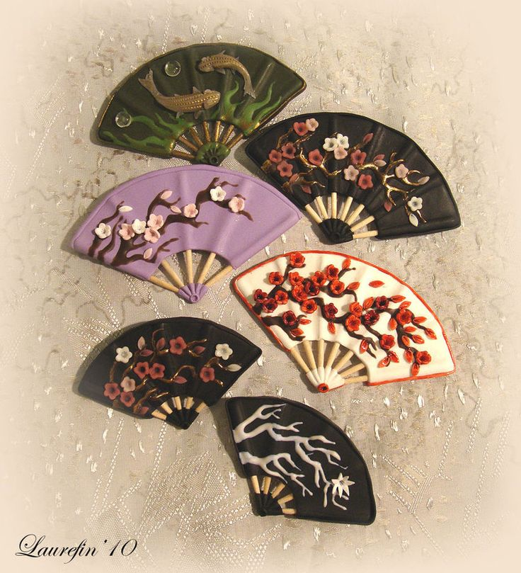 Fans miniature- polymer clay- would make cute pins or earrings