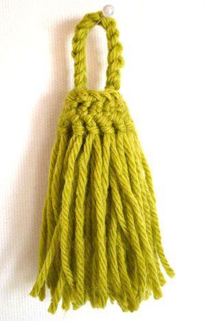 Nappina in lana realizzata con la forcella - iltelaietto.it