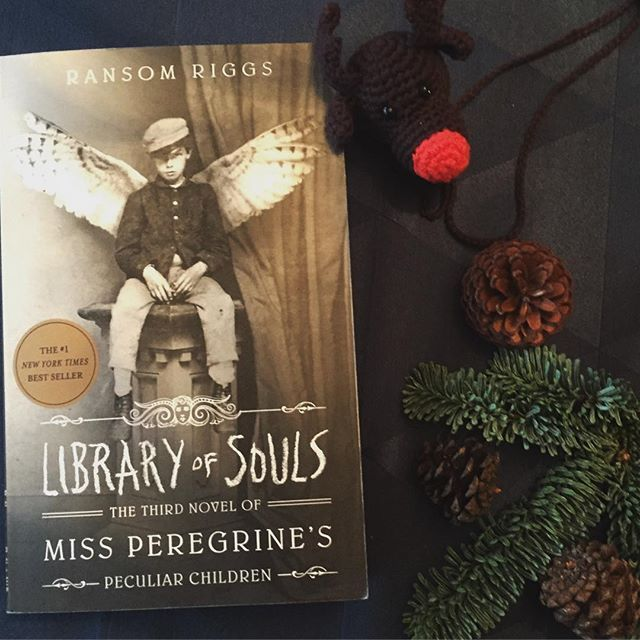 46/52 - A trilogy, book three. Finally finished this magnificent YA trilogy and I highly recommend it. It was very captivating and Ransom Riggs is a peculiar writer.