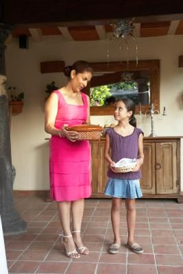 Cómo hacer un vestido de Danza Mexicana