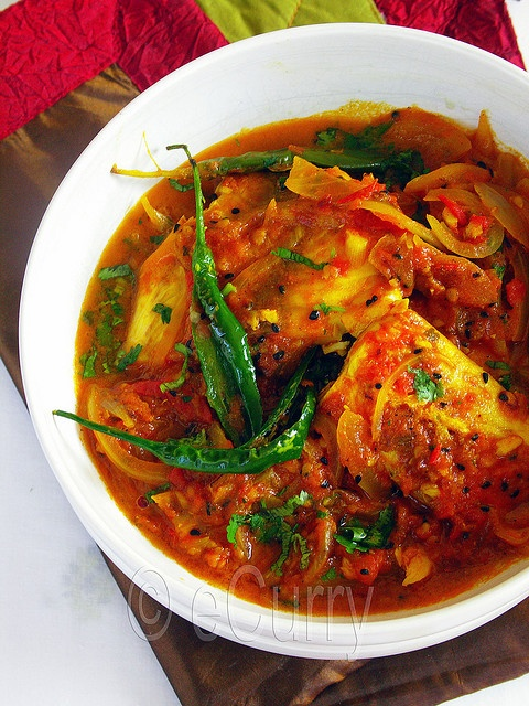 MACHHER JHOL aka MACHHA JHOLA ~~~ this share is a traditional bengali and oriya spicy fish stew traditionally served with rice. recipe gateway: this post's link + http://bongong.com/bg/recipe/Aar_Macher_Jhol  [India, Bengali Cuisine] [ecurry] [bongong]