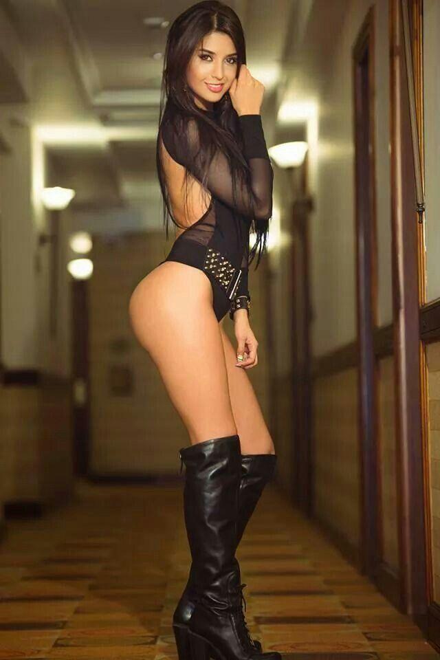 sexy nude ass hotties
