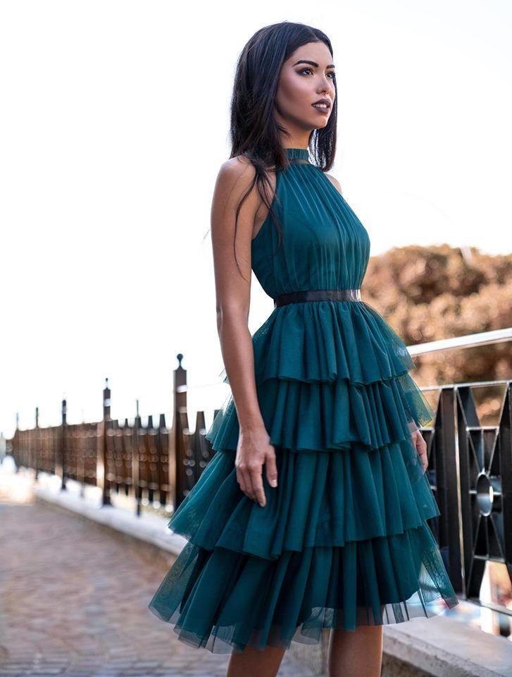 Sukienka Tiulowa Midi Z Falbanami I Paskiem Zoya Morska Elegant Midi Dresses Beautiful Dresses Gorgeous Dresses