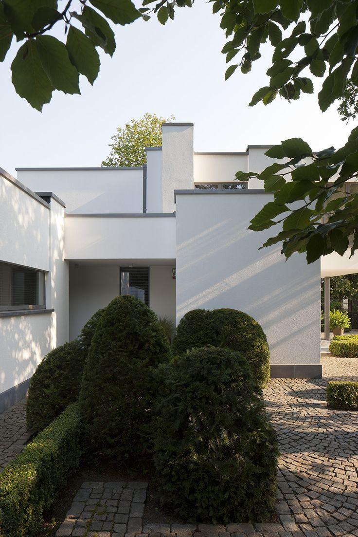 Fotografie van het interieur en exterieur van een modern verbouwde woning door Aerts+Blower interieurarchitecten. © foto's Liesbet Goetschalckx