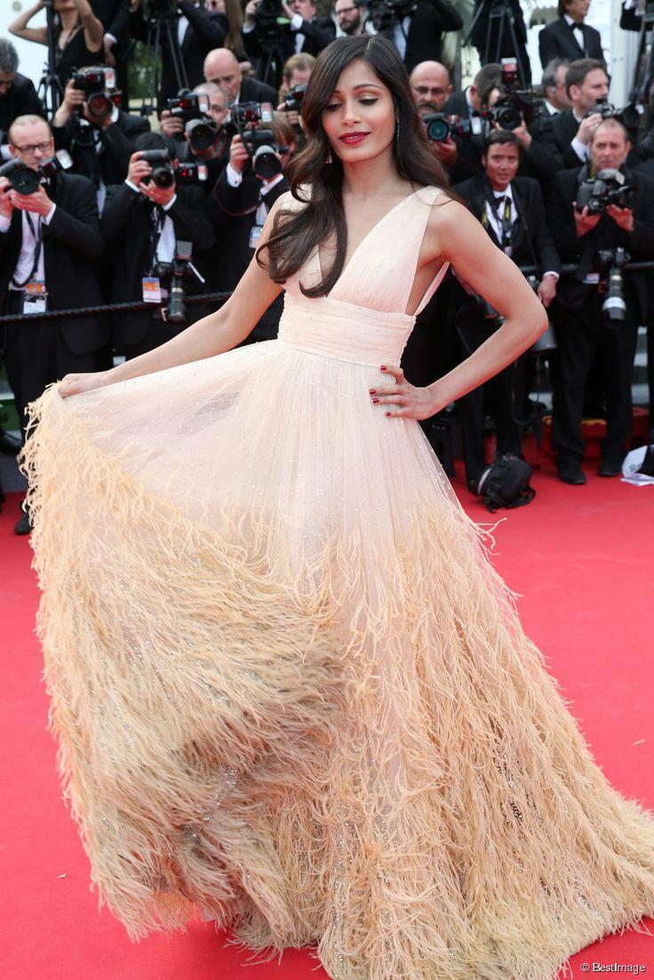 Freida Pinto dans une robe Michael Kors sur le tapis rouge du 67ème Festival de Cannes le 17 mai 2014.