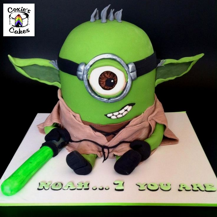 Yoda from Star Wars Minion Mashup Cake. what a super cool idea for a star wars birthday party. (star wars cookie ideas)