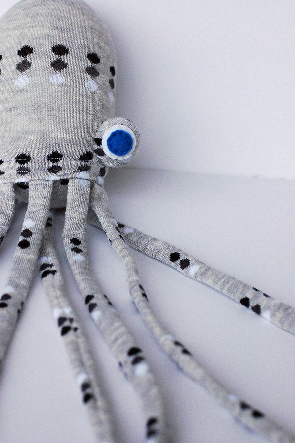 Sock Animal Toy - Spotted Gray Socktopus. $25.00, via Etsy.