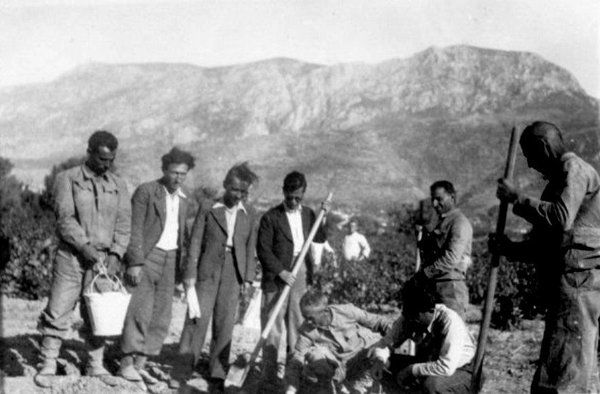 Savaştepe Köy Enstitüsü öğrencileri