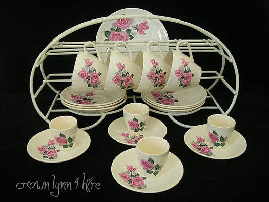 ~*~*~* Our aim is to supply our customers an opportunity to hire from our Gorgeous selection of Crown Lynn dinnerware to beautify their table settings / venue.